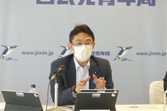 定例会議で藤原部長より「コロナ禍における人権の考え方」について講演と意見交換を開催
